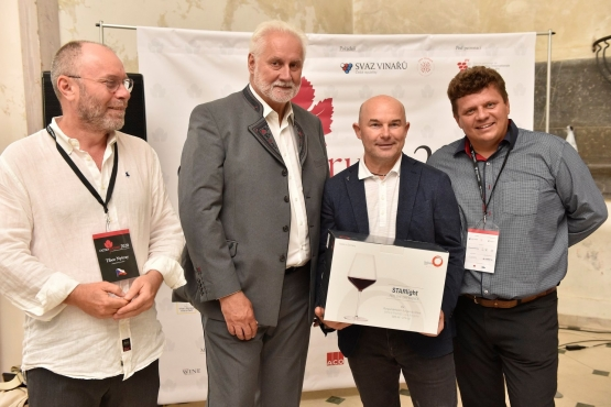 Hron šampión červených vín medzinárodnej výstavy Oenoforum 2020